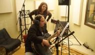 Aufnahme von Akustik-Gitarre und Gesang